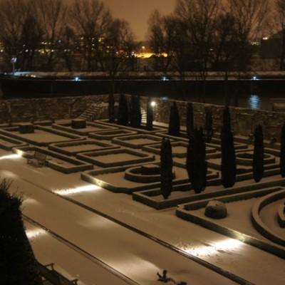 de tuin in de winter Villa Augustus