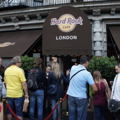 Hard Rock Londen, in de rij voor het avondeten, wachten dus