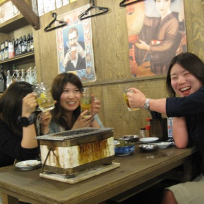 3 dames aan het bier (veel bier)