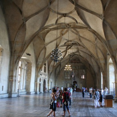 hele grote zaal in de Burcht Praag